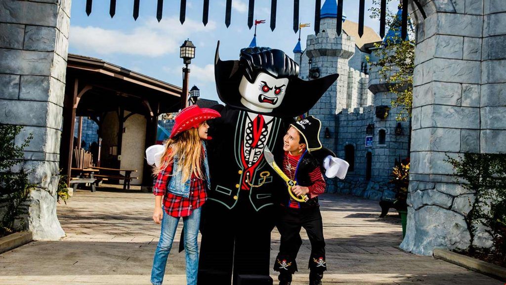 Orlando Halloween events Villas at Regal Palms